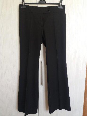 Pantalone-benetton-e - Srbija: Crne klasične Benetton pantalone koje odgovaraju našem 38-40. Vrlo