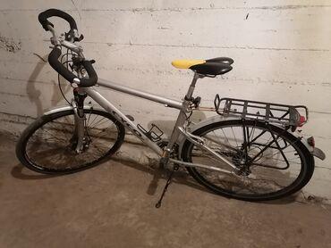 Torbez cena - Srbija: 28tockovi nova zadnja guma šimano oprema gradski bicikl super stanje s