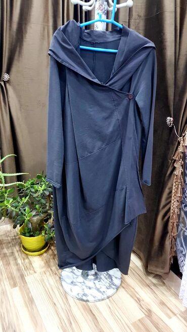 Мало б/у платье Италия. Размер свободный