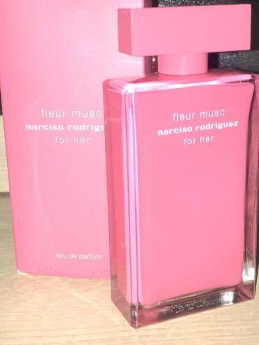 Женский парфюм fleur musc narciso rodriguez. Вообще не пользовались ма