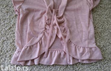Sladak  letnji prslucic nežno roze boje. Može da se kombinuje u na - Novi Sad
