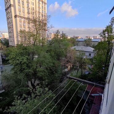 Продается квартира: 104 серия, 3 комнаты, 56 кв. м