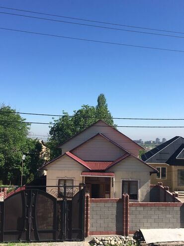 selo budenovka в Кыргызстан: Продам Дом 200 кв. м, 4 комнаты