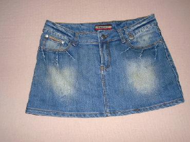 Mini suknjica od teksasa. Nošena ali očuvana. Veličina je 31