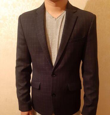 кожаная куртка мужская купить в Кыргызстан: Продаю новый мужской пиджак размер 46.купили 2200с размер не подошел