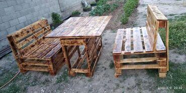 детский деревянный стул купить в Кыргызстан: Продаю комплект 2 дивана и стол (деревянный)