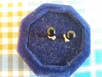 Серьги б у - Кыргызстан: Серьги-гвозди серебро 925. Камень черного цвета, б/у в отличном