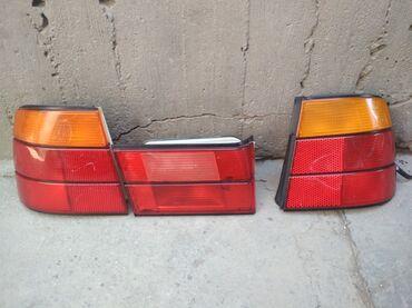 bmw 1 серия 135i amt в Кыргызстан: Фонари на Е34 оригинал Hella три фонаря на левом есть скол на