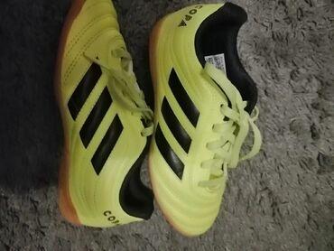 Adidas patike za fudbal br.30,odlicno ocuvane, nosene malo u sali