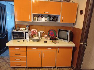 Кухонный гарнитур, мраморная столешница, отличное состояние,брали за
