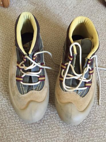 Chicco decije cipele velicina 34 - Nis
