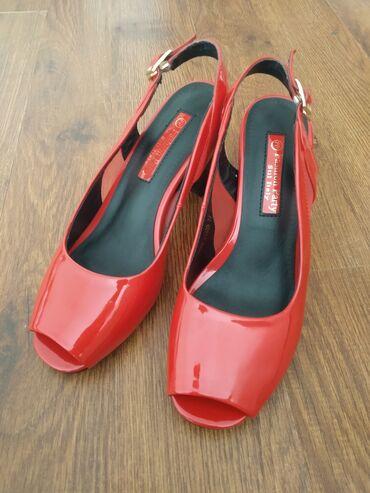 Женская обувь - Бишкек: Босоножки новые, 37 размер