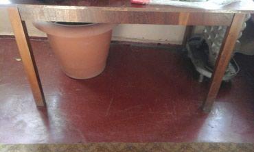 Gəncə şəhərində Krasnadar acilan lakli stol satilir.Gence seherindedi