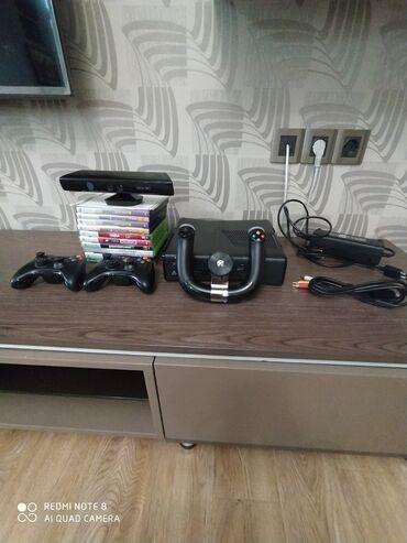 Xbox 360 & Xbox - Azərbaycan: В комплект к Xbox360 входит: 2 джойстика, руль, камера. Из игр