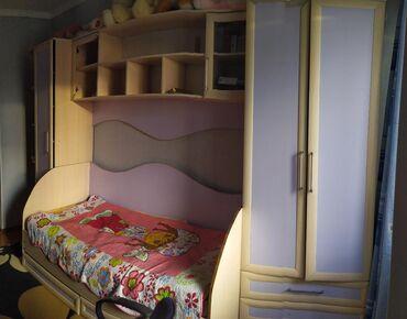 батарейка на гироскутер в Кыргызстан: Гарнитур детскийСостояние 4/5, требуется мелкий ремонт. Кровать