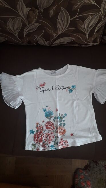 Waikiki prelepa majca, za devojcice od 6 do 8 g, kao novo