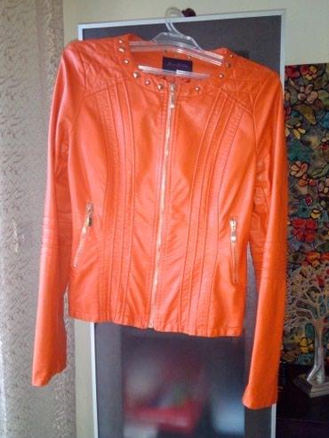 Prodajem novu jaknu velicina M. Narandzaste boje. Eko koža. - Sabac