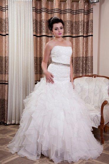 свадебное украшения в Кыргызстан: Свадебное платье   на прока