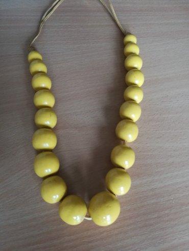 Zuta ogrlica, drvo - Pozega