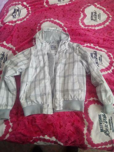 Продается мужская куртка Деми, в отличном состоянии, размер XL, цена