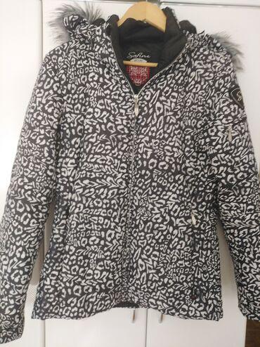 Zimska jakna vel 40 Topla,u odlicnom stanju Ocuvana