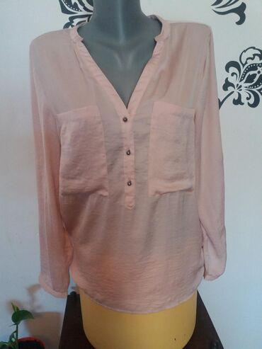 Ženska odeća | Mladenovac: Košulja letnja. Klasičan model. Marka AMISU. Nema nigde oštećenja