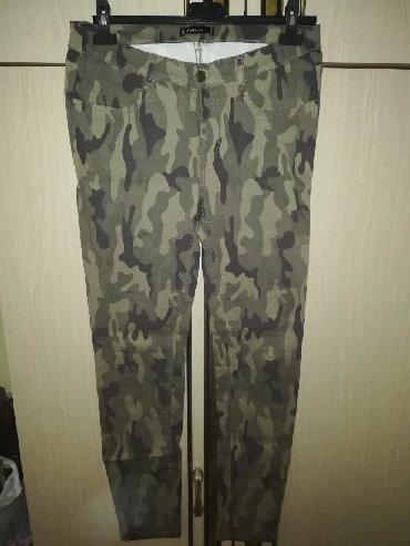 Maskirne pantalone - Srbija: Fishbone/New Yorker maskirne NOVE pantalone pune elastina. Veličina L
