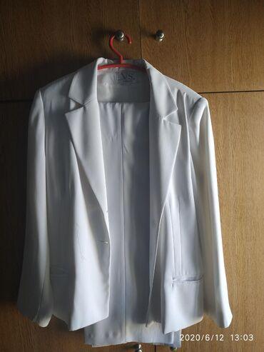 Κοστούμι γυναικείο vintageάσπρο μέγεθος 50, σχεδόν καινούργια