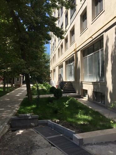 Продается квартира: 2 комнаты, 91 кв. м., Бишкек в Бишкек