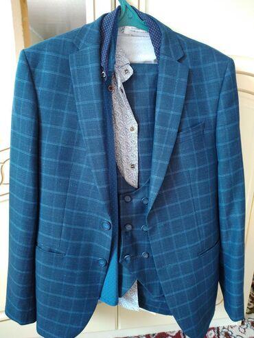 Мужская одежда - Чон Сары-Ой: Почти новый один раз всего одевали на свадьбу.купили за 5000с отдам за