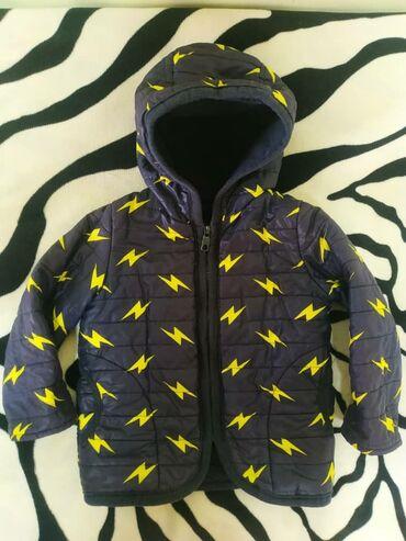 Курточка на весну очень и летом на Иссык Куль, на возраст 2-3 года, но
