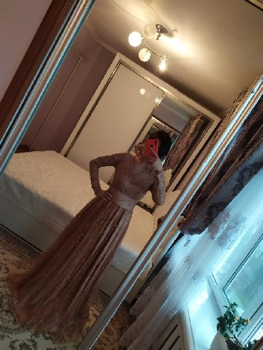 длинные вечерние платья с длинным рукавом в Кыргызстан: Вечернее платье полностью вышито жемчугом, имеется длинный пояс. В