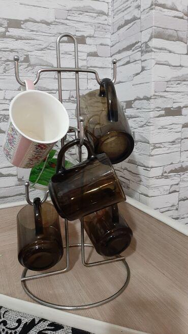 подставка для посуды в Кыргызстан: Продаю посуду. Чашки от luminaric с подставкой. Тарелки, вазочки. Все