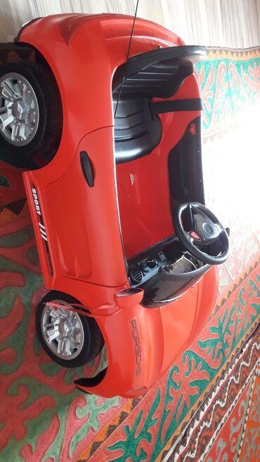 Детские электрокары - Кыргызстан: Электромобиль с пультом Состояние 99,9% В комплекте: -Зарядка