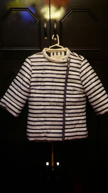 белье для девочек в Азербайджан: Куртка для девочки на 6-9лет.В отличном состоянии