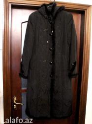 Bakı şəhərində Qış üçün isti puxovik palto. Xəzi təbiidir.  Az geyinilib. Yaxşı