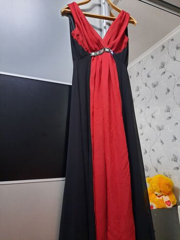 вечернее платье 44 размер в Кыргызстан: Продаю платье, размер 44-46