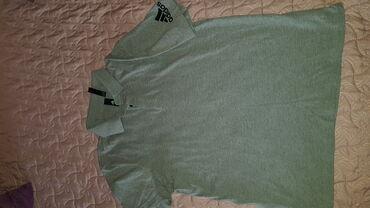 Original nova Adidas majica na kragnu Velicina M
