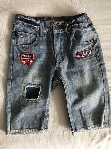 Pantalone cm - Srbija: Teksas bermude Tommy Hilfiger vel 6Kupljene u Americi, nisu