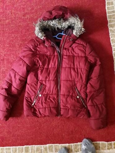 Zimske-jakne - Srbija: Jakne zimske kao nove, plava je xl velicina a crvena l bershka obe