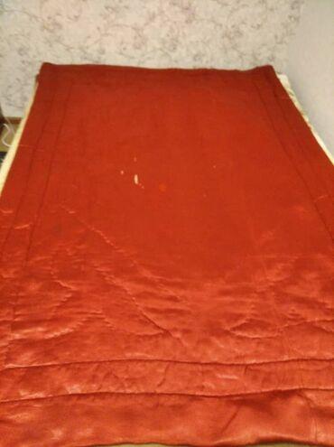 Старенькое одеяло,требуется рестоврация,ватное,полуторка