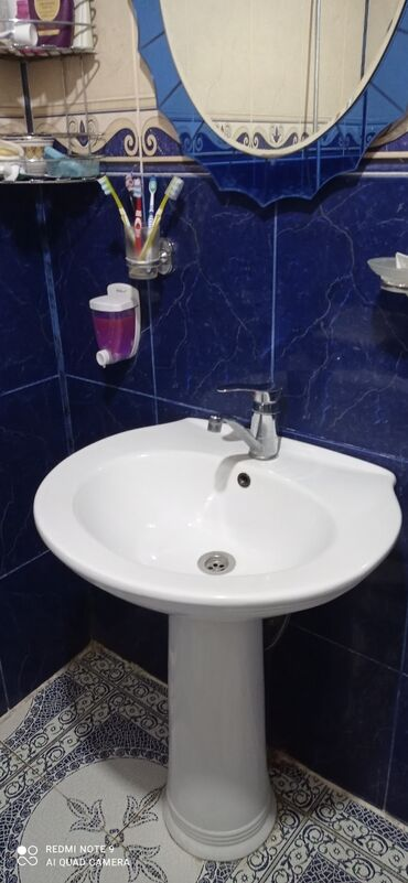 смеситель в Азербайджан: Temiz keramika tulpan. Ici genisdi. Hec bir deffekti yoxdu. Temiz mald