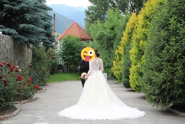 Косилка ручная - Кыргызстан: Продаю очень шикарное свадебное платье одевали только один раз покупал