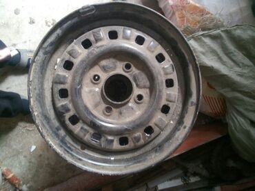 17570 r13 диски в Кыргызстан: Продая диски R13 цена4000 сом комплект