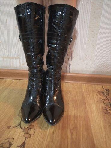 Лакированные кожаные деми сапоги 38 р. Подклад теплый. Состояние