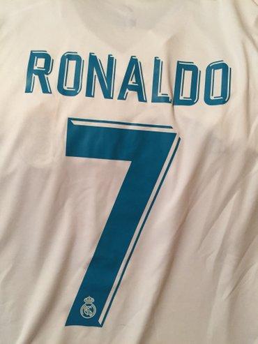 Bakı şəhərində Real madrid futbol klubunun 2018 sezon oyun formasi ronaldo 7 , m razm