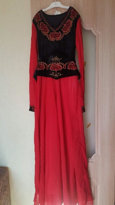 живопись маслом цветы в Кыргызстан: Бордовый цвет один раз одеть