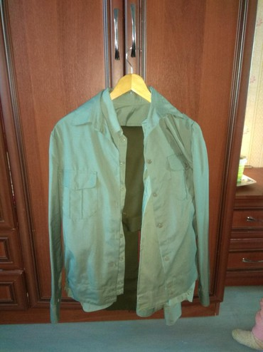 Мужская одежда в Беловодское: Продаю рубашки цена окончательная