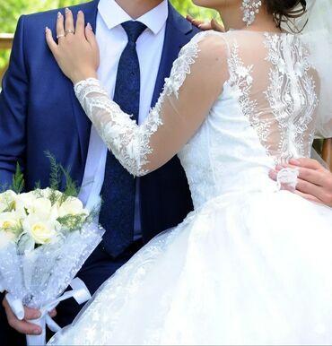 Свадебное платье очень удобное воздушное! Сшито на заказ ткань