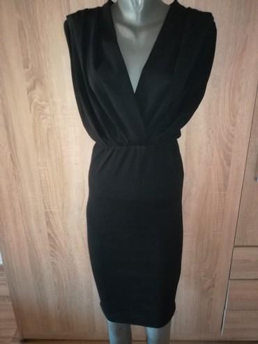 Crna haljina elegantna,prati liniju tela,vel M kao nova  - Pancevo